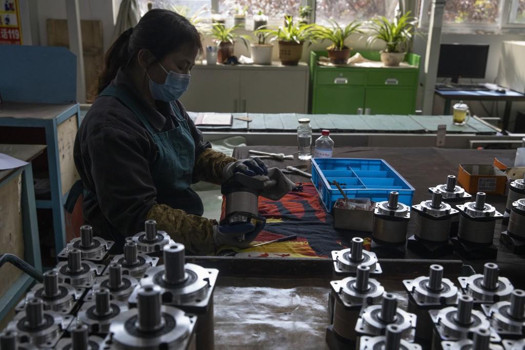 China's new coronavirus cases fall, eyes on northeastern province