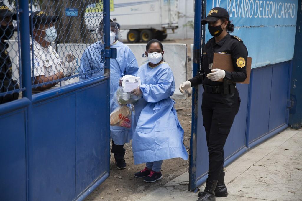 Scant Testing in US Migration System Risks spreading virus