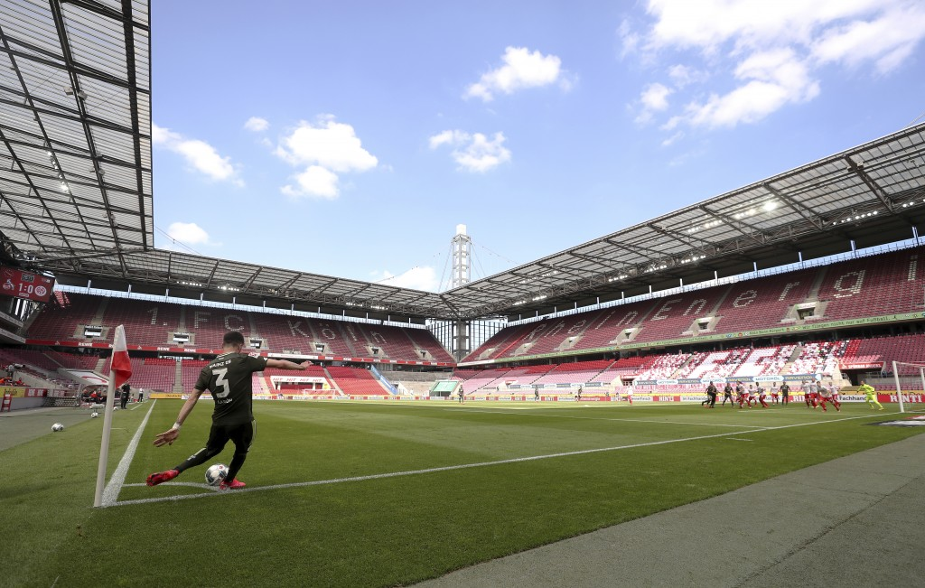 Aaron of FSV Mainz 05 takes a corner kick during the German Bundesliga soccer match between 1. FC Cologne and FSV Mainz 05 in Cologne, Germany, Sunday...