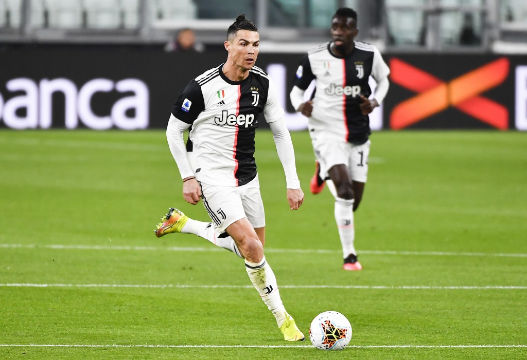 Cristiano Ronaldo Reports Back for Juventus Practice After 10-week Absence