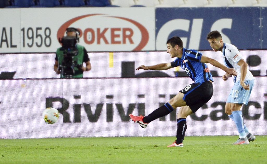 Atalanta's Ruslan Malinovskyi scores a goal during a Serie A soccer match between Atalanta and Lazio, at the Gewiss Stadium in Bergamo, Italy, Wednesd...