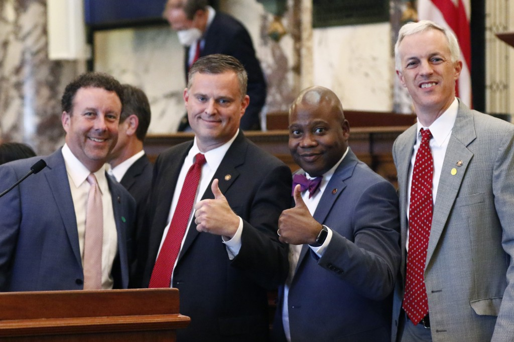 Sens. David Parker, R-Olive Branch, left, Chad McMahan, R-Guntown, Derrick Simmons, D-Greenville, second from right, and David Blount, D-Jackson, righ...