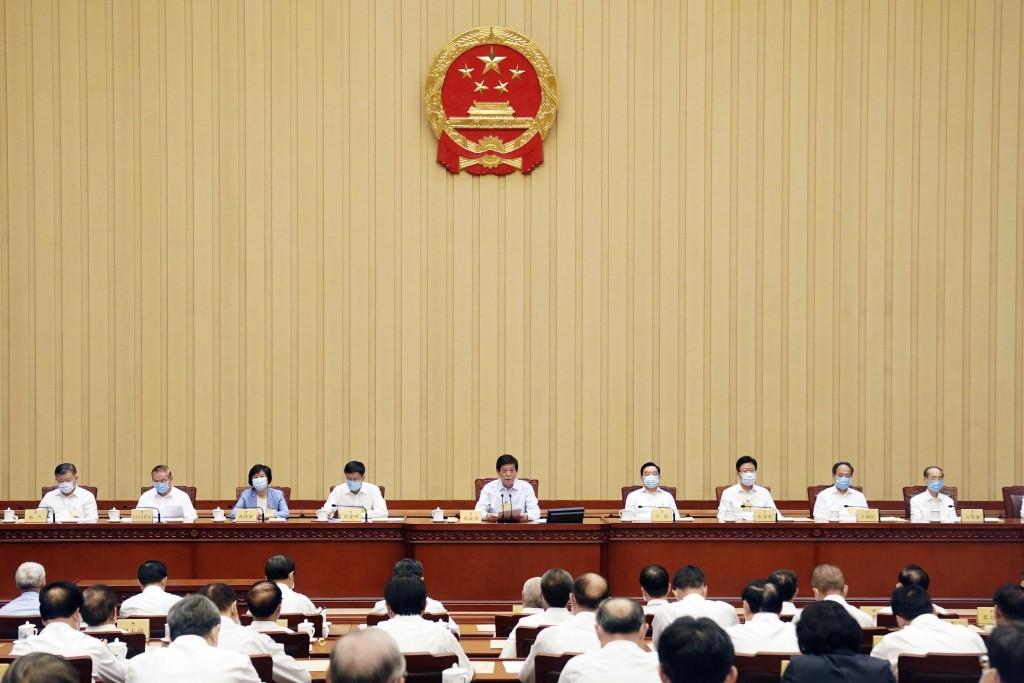 China hits back at Westernsanctions.