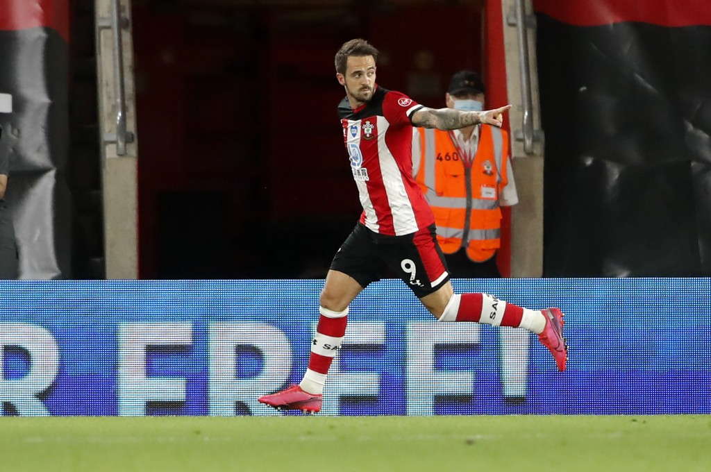Southampton's Danny Ings celebrates after scoring his team's first goal during the English Premier League soccer match between Southampton and Brighto...