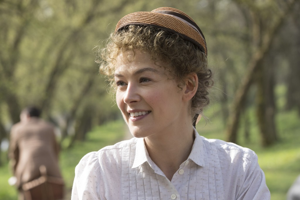 """This image released by Amazon shows Rosamund Pike as Marie Curie in a scene from """"Radioactive."""" (Amazon via AP)"""