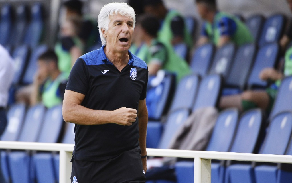 Atalanta coach Gian Piero Gasperini leaves the field after receiving the red card during the Italian Serie A soccer match between Atalanta and Bologna...
