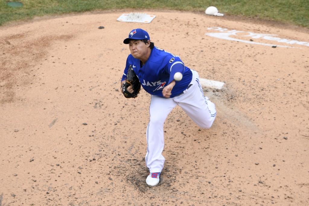 Toronto Blue Jays starting pitcher Hyun-Jin Ryu, of South Korea, delivers a pitch during the fourth inning of the team's baseball game against the Was...