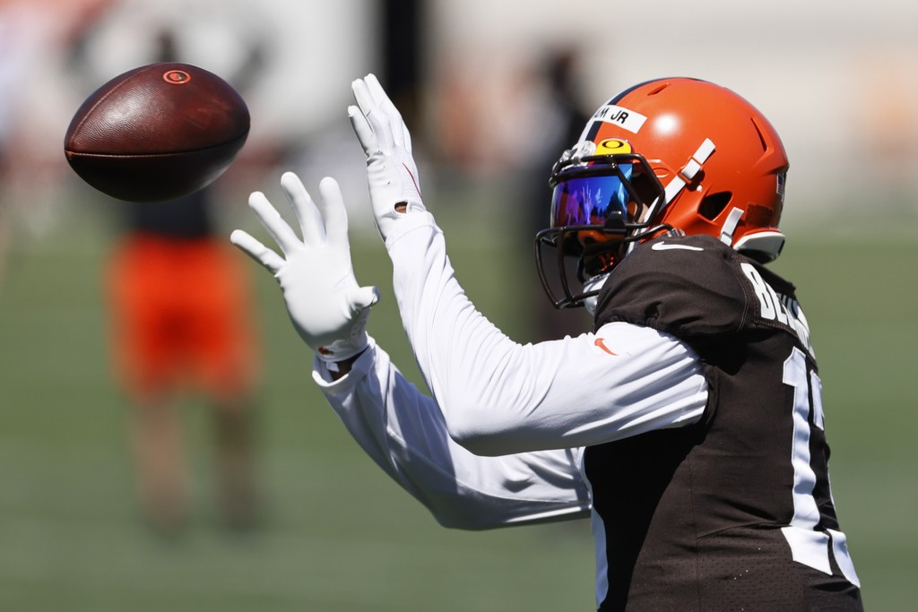 Cleveland Browns wide receiver Odell Beckham Jr. catches a pass during practice at the NFL football team's training facility Wednesday, Aug. 19, 2020,...