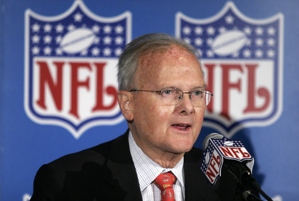 FILE - In this Nov. 16, 2005, file photo, Kansas City Chiefs owner Lamar Hunt talks to the media after NFL Commissioner Paul Tagliabue announced that ...