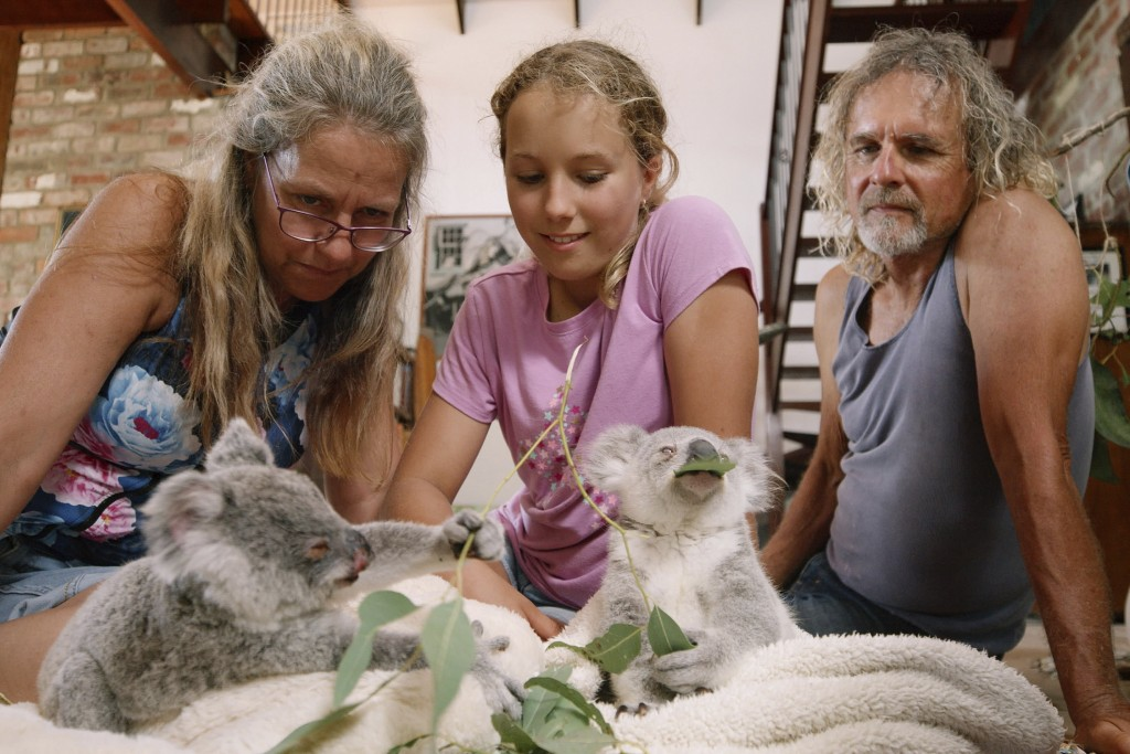 """This image released by Netflix shows Ali Bee, from left, Izzy Bee and Tim Bee in a scene from """"Izzy's Koala World,"""" which follows an 11-year old girl ..."""