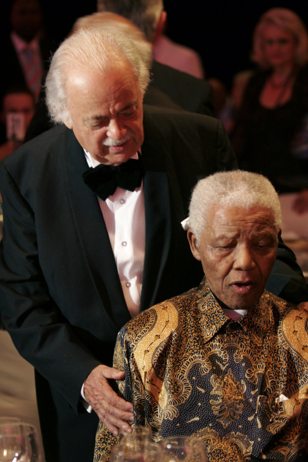 FILE — In this Wednesday Nov. 12, 2008 file photo George Bizos, left, anti-apartheid activist, and life-long friend and lawyer of Nelson Mandela, righ...