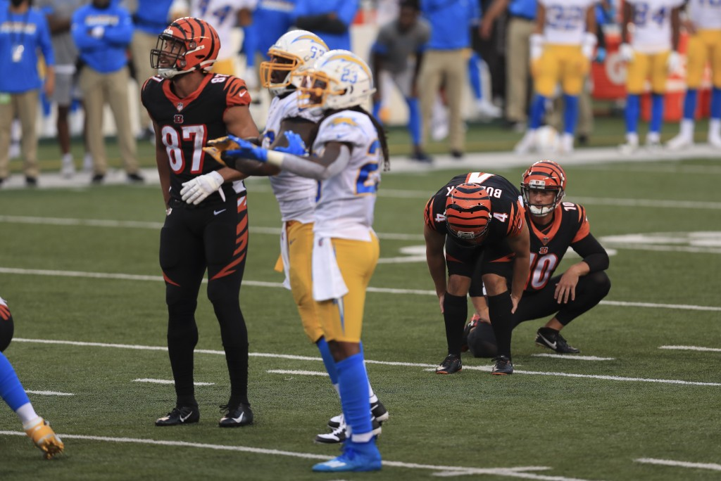 Cincinnati Bengals kicker Randy Bullock (4) reacts after missing a game tying field goal during the second half of an NFL football game against the Lo...