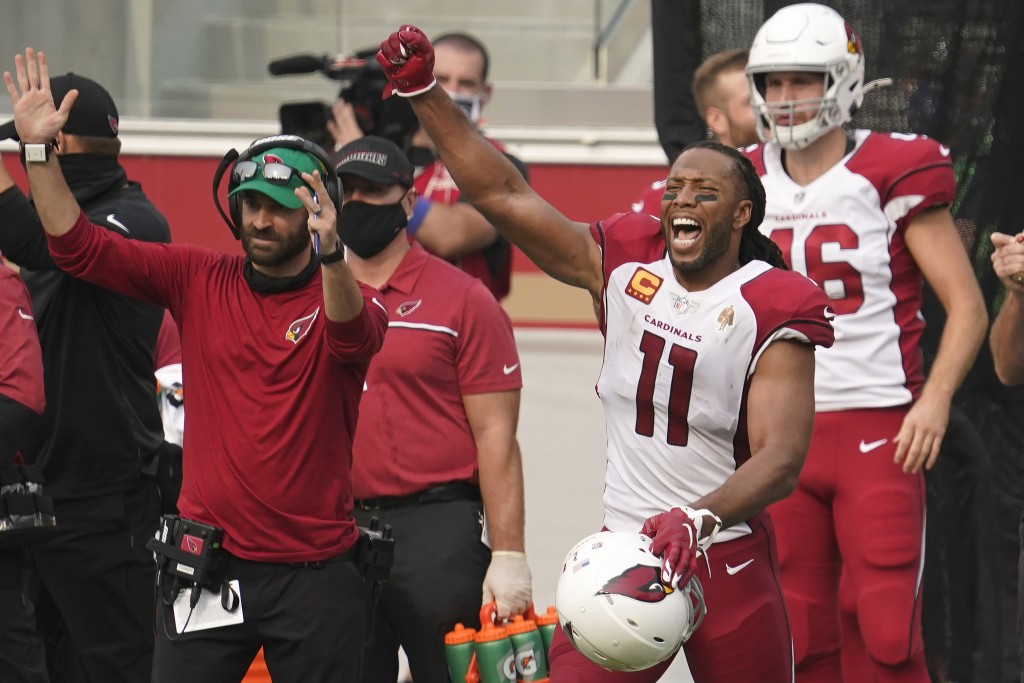 Arizona Cardinals wide receiver Larry Fitzgerald (11) celebrates during the second half of an NFL football game against the San Francisco 49ers in San...