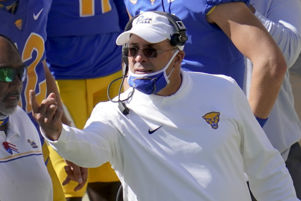Pittsburgh head coach Pat Narduzzi calls to a player during the second half of an NCAA college football game against Syracuse, Saturday, Sept. 19, 202...