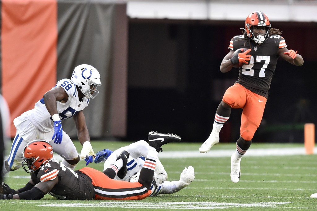 Cleveland Browns running back Kareem Hunt (27) runs after a catch during the first half of an NFL football game against the Indianapolis Colts, Sunday...