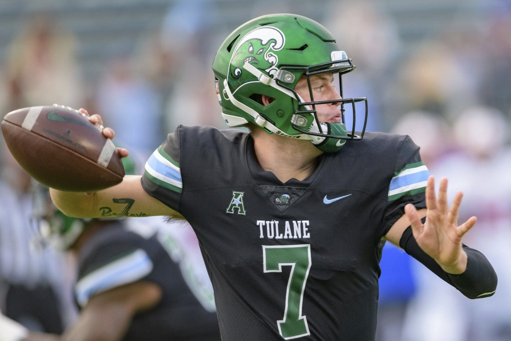 Tulane quarterback Michael Pratt (7) throws a pass during an NCAA college football game against SMU in New Orleans, Friday, Oct. 16, 2020. (AP Photo/M...