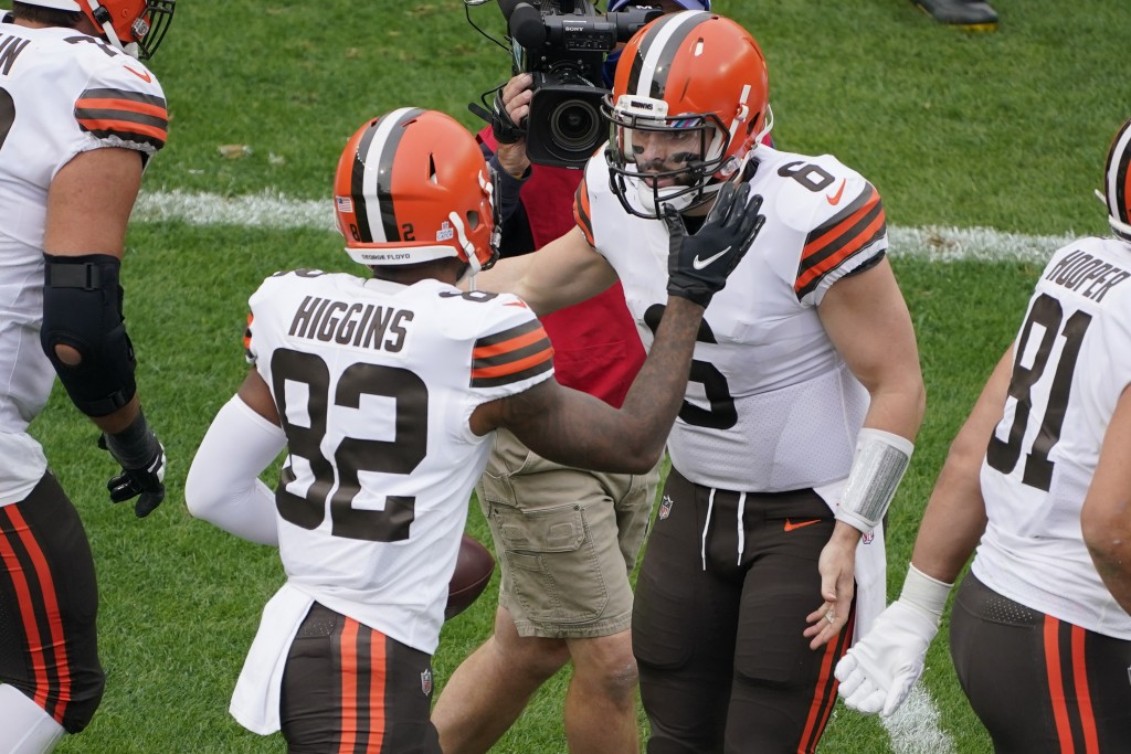 Cleveland Browns wide receiver Rashard Higgins (82) celebrates with quarterback Baker Mayfield (6) after the two connected for a touchdown during the ...