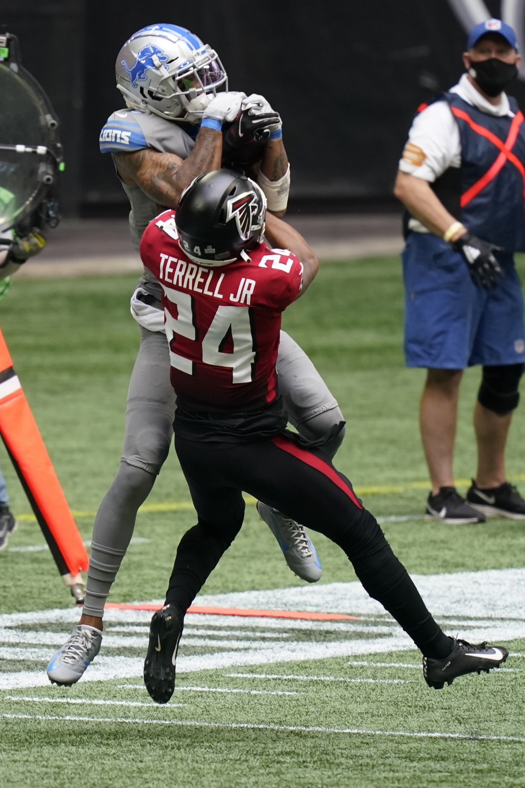 Detroit Lions wide receiver Kenny Golladay (19) makes the catch against Atlanta Falcons cornerback A.J. Terrell (24) during the second half of an NFL ...