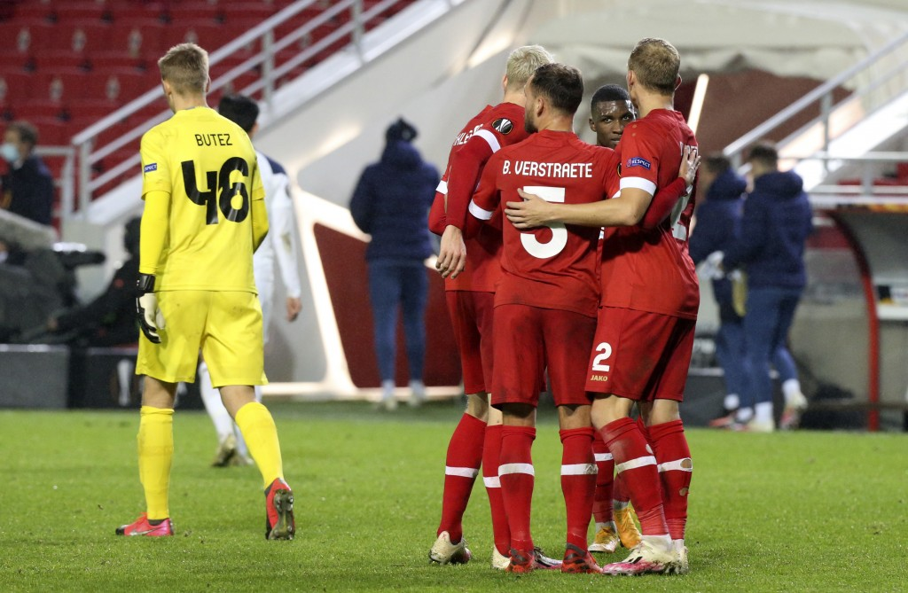 Royal Antwerp players celebrate after winning the Europa League Group J soccer match between Antwerp and Tottenham at the Bosuil stadium in Antwerp, B...