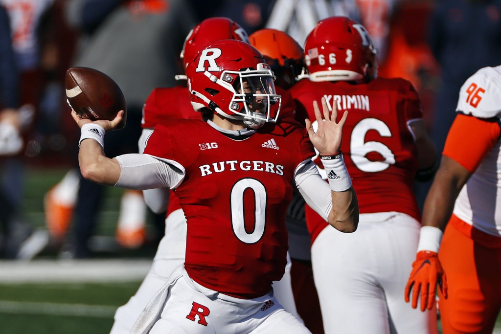 Rutgers quarterback Noah Vedral passes during the first half of an NCAA college football game against Illinois on Saturday, Nov. 14, 2020, in Piscataw...