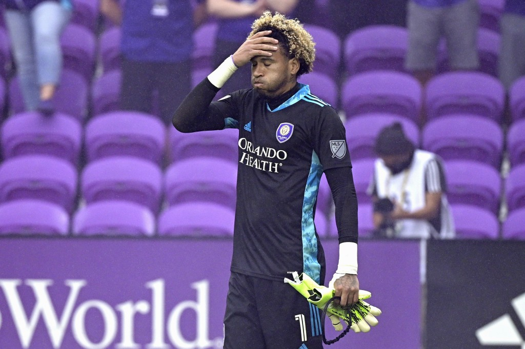 Orlando City goalkeeper Pedro Gallese (1) reacts after receiving a red card, and getting ejected during the penalty kicks period of overtime of an MLS...