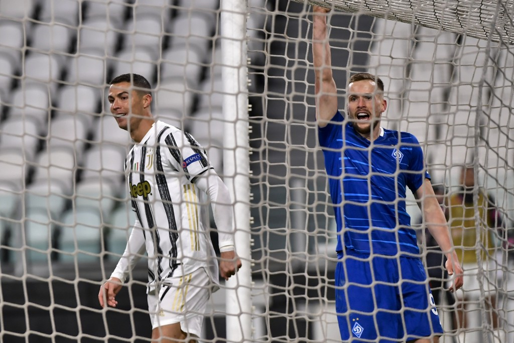 Cristiano Ronaldo of Juventus, left, celebrates a goal against Dynamo Kyiv during a Champions League, group G soccer match between Juventus and Dinamo...