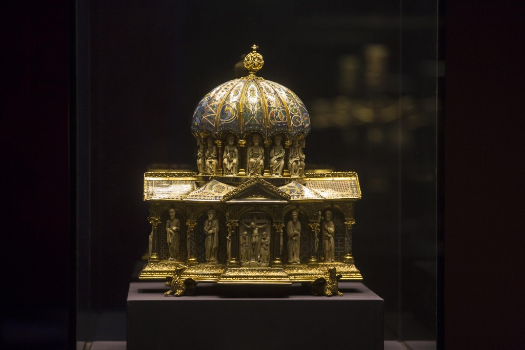 FILE - In this Jan. 9, 2014 file picture the medieval Dome Reliquary (13th century) of the Guelph Treasure, is displayed at the Bode Museum in Berlin....