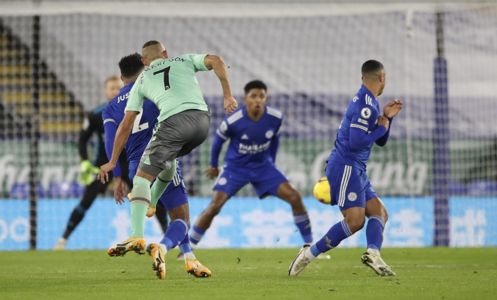 Everton's Richarlison scores his side's opening goal during the English Premier League soccer match between Leicester City and Everton at the King Pow...