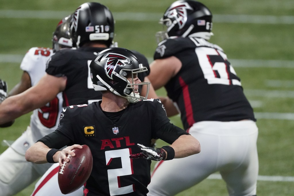 Atlanta Falcons quarterback Matt Ryan (2) works in the pocket against the Tampa Bay Buccaneers during the first half of an NFL football game, Sunday, ...