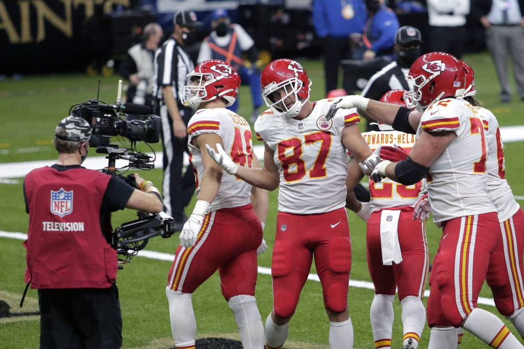Kansas City Chiefs tight end Travis Kelce (87) celebrates his touchdown reception in the first half of an NFL football game against the New Orleans Sa...