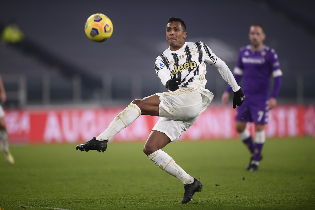 Juventus' Alex Sandro in action during the Serie A soccer match between Juventus and Fiorentina, at the Allianz Stadium in Turin, Italy, Tuesday, Dec....