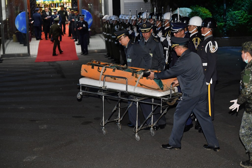 8 Taiwan military officers killed in Black Hawk crash mourned