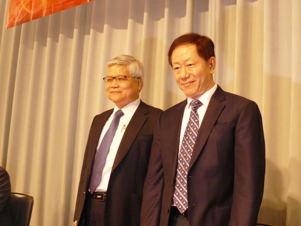 TSMC CEO C.C. Wei (left) and Chairman Mark Liu