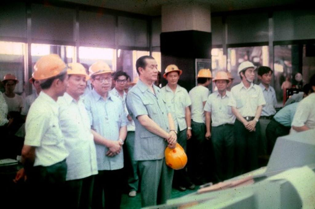 協和發電廠位在基隆市外木山海邊,電廠3根高聳煙囪 是著名的地標之一,更曾經是北台灣第一大電廠,在台 灣經濟快速飛躍的年代,協和電廠肩負北部...