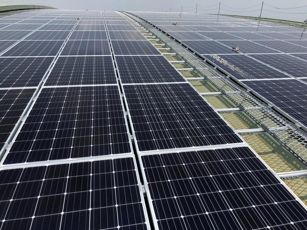 配合政府減碳及再生能源政策,台鐵繼潮州車輛基地( 圖)後,也規劃在高雄機廠設置太陽能發電設備。