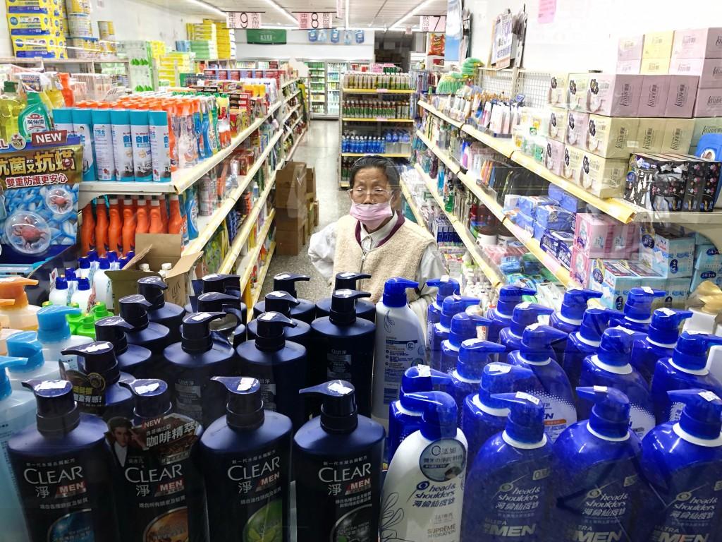 去(2020)年疫情肆虐,台灣行政院主計處公布的消費者物價指數(CPI)年月月接連負成長,但今年恐怕節節高升。