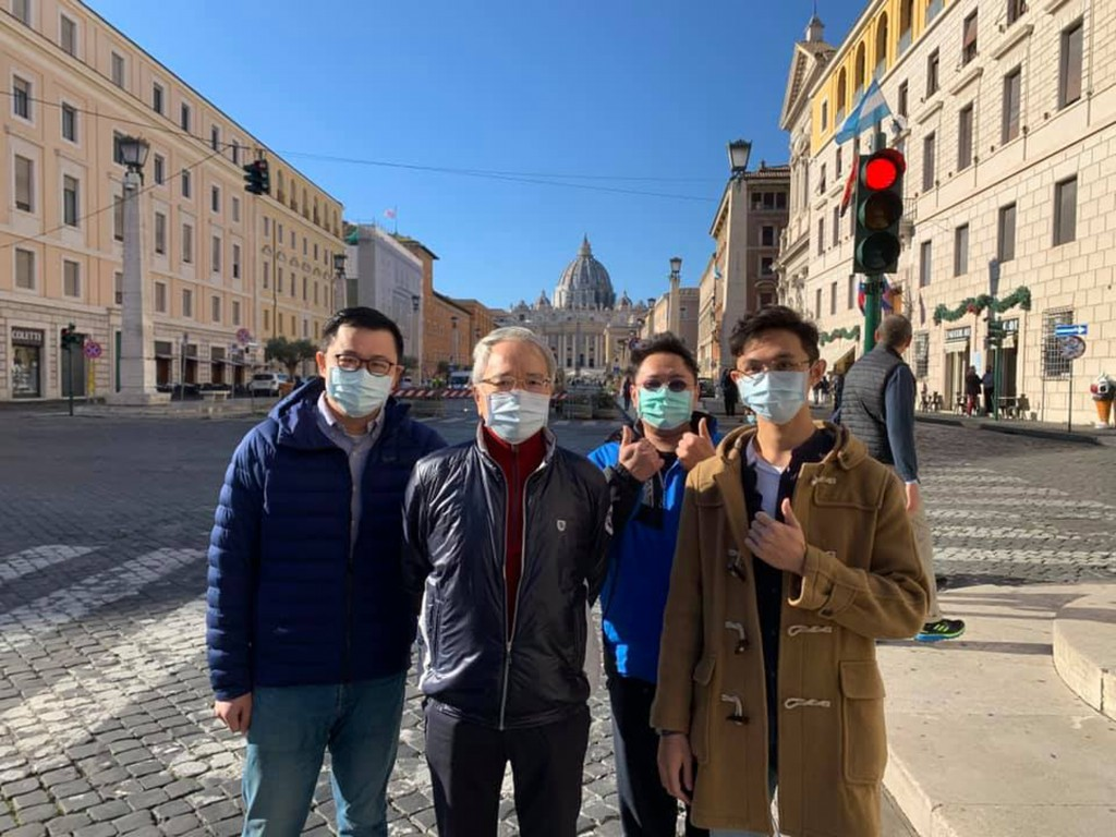 Taiwanese engineers visit Ambassador Matthew Lee in the Vatican.