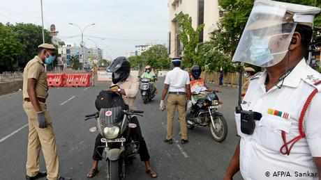 Coronavirus in India: Street crime and cyber fraud on the rise