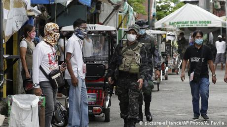 Coronavirus: Philippine doctors wary of Duterte's 'militaristic' response