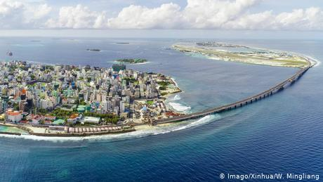 Maldives: India seeks to counter China influence with bridge project