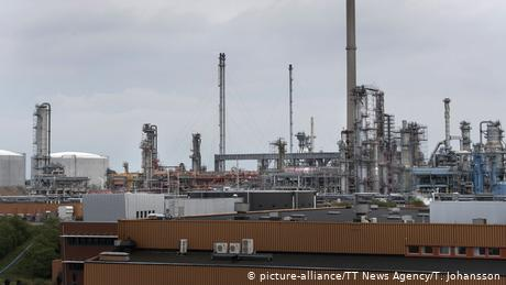 Greenpeace occupies Swedish oil refinery over expansion plans