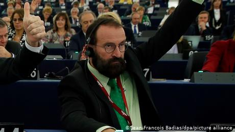 Szajer resigned from the European Parliament, where'd he pushed the Fidesz agenda