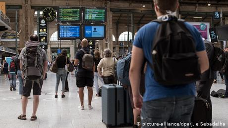 The European Commission urged EU governments to scrap their de facto travel bans with the UK