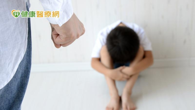 受虐女童惡夢不斷 研究:寄養機構兒少終身精神疾患高達五成