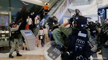 Hong Kong protests: Watchdog clears police of wrongdoing