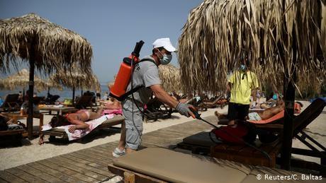 EU tourist hotspots urge Germans to keep vacation plans