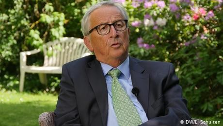 Ex-EU chief Juncker backs French-German rescue package