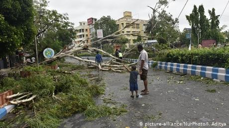 Protests in Kolkata over Cyclone Amphan recovery delay