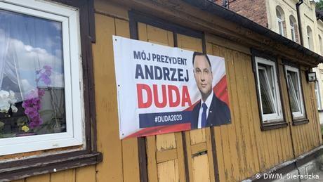 Anti-German sentiment colors Polish president's election campaign