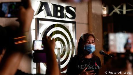Philippines: Did President Duterte target ABS-CBN news network?